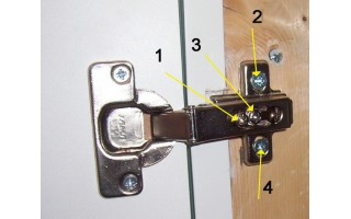 ВИДЕО - Как отрегулировать дверь шкафа - регулировка петель самому.